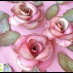 IDEE REGALO: rose e farfalle di carta per decorare i vostri doni