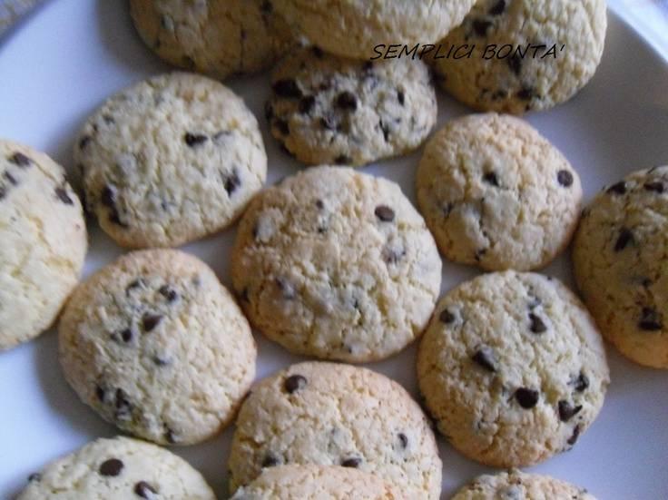 Ricetta biscotti con panna e cioccolato