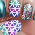Una nail art scintillante e colorata per iniziare il 2014 con grinta