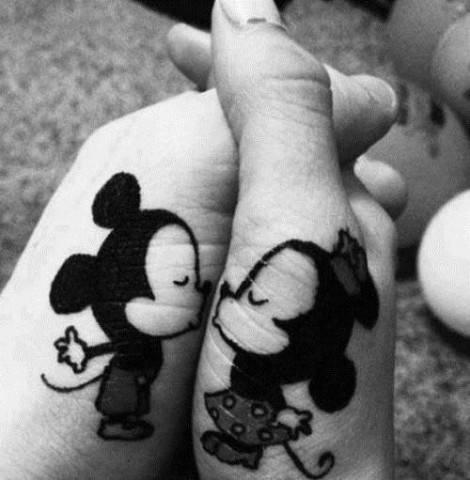 tatuaggio-di-coppia-romantico