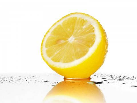 Fresh_Yellow_Lemon_3228