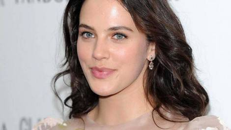 jessica-brown-findlay-wallpaper