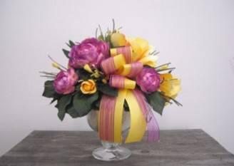 Composizioni-floreali-fai-da-te-con-fiori-finti