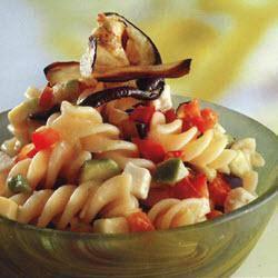 insalata di pasta alle verdure e feta
