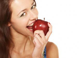 woman-biting-an-apple
