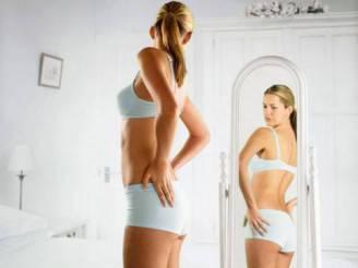 donna-allo-specchio-480x360