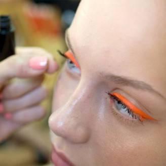 eyeliner-arancione-per-tcn