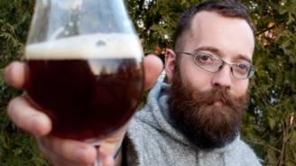fasten-chris-schryer-ernaehrt-sich-40-tage-lang-ausschliesslich-von-bier-und-saft-
