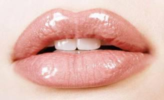 labbra-effetto-naturale