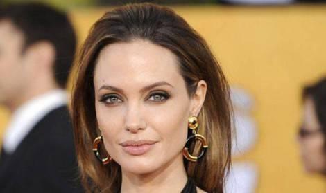 Angelina-Jolie-epatite-C