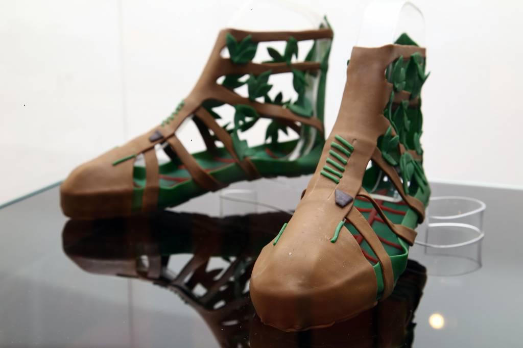 pretty nice 7e4a6 8ff82 SCARPE: Un'inedita collezione di calzature realizzate da ...