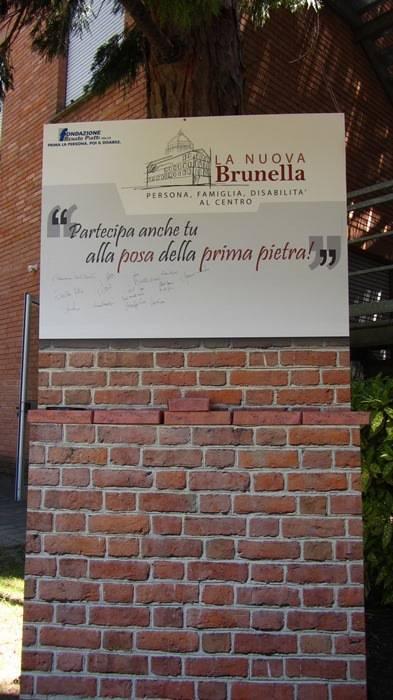 Prima pietra virtuale de La Nuova Brunella