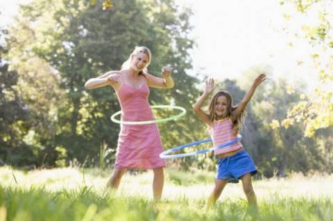 mamma-e-figlia-giocano