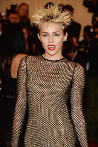 miley-cyrus-2013-hairstyle