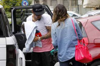Melissa Satta and Kevin Prince Boateng going to lunch with their son Maddox