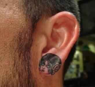 tatuaggio-volto-femminile