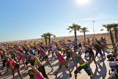 02_beach_fitness