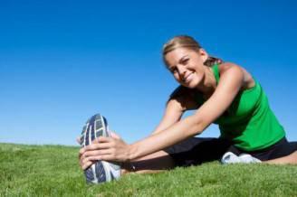 Donna che fa sport (Thinkstock)
