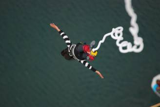 bungee-jumping-sullo-stockhorn-1038
