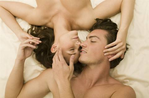 coppia-a-letto