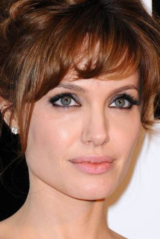 Angelina-Jolie-Salt-premiere-2010