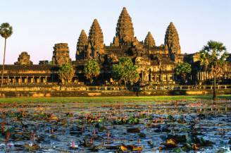 Angkor-Wat-is-a-12th-century-Hindu-Temple-Complex-in-Cambodia