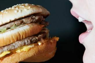 Dieta-colesterolo-alto-586x391