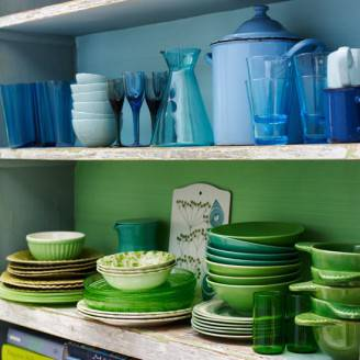 colourful-kitchen-kitchen-ideas-colourful-tableware