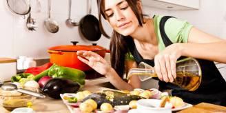 donna cucina