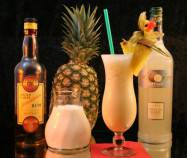 Pina_Colada_with_key_ingredients
