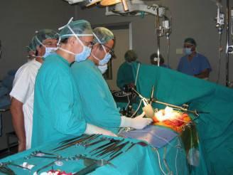 chirurghi-al-lavoro1