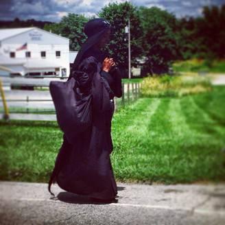misteriosa donna nera