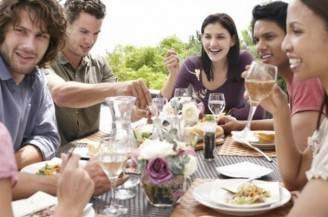 pranzo-tra-amici