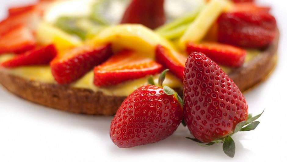 Lebensmitte-Kuchen-Torte-Erdbeeren-544x960