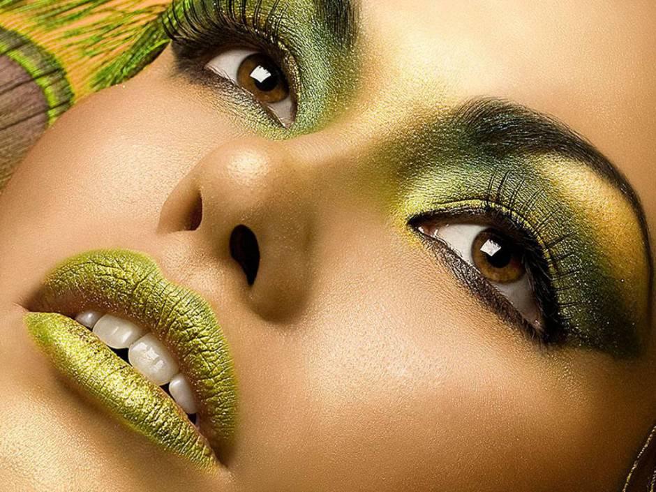 green-makeup