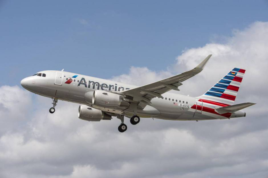 A319_American_Airlines_take_off-2