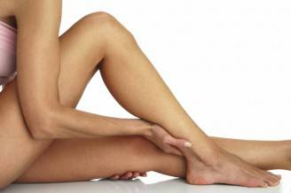 come-sgonfiare-le-gambe-con-i-rimedi-naturali_4a0bf5be76867bc5e88bad44aa709e60