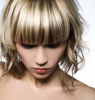 curly-bang-medium-hairstyle-women-hairstyle-trends-5616x6384-1