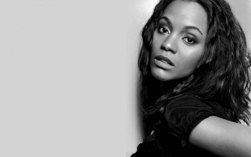 zoe-saldana-desktop-wallpaper-picture