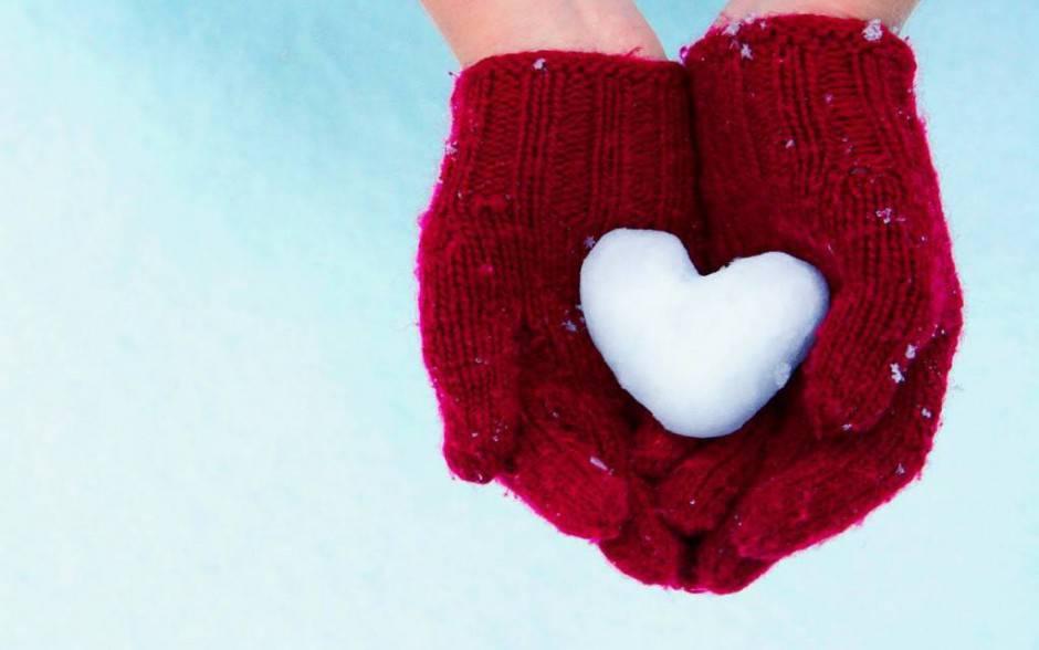 Hands Gloves Heart Love Wallpapers