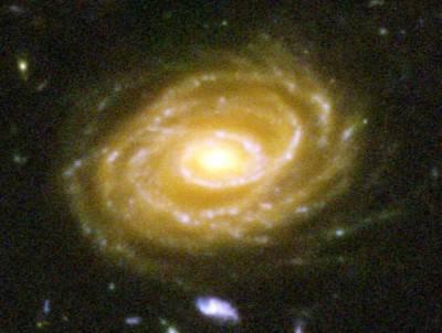 La galassia UDF 423 che si trova a milioni di anni luce dalla terra.