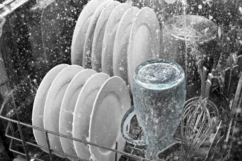 lavastoviglie-in-funzione