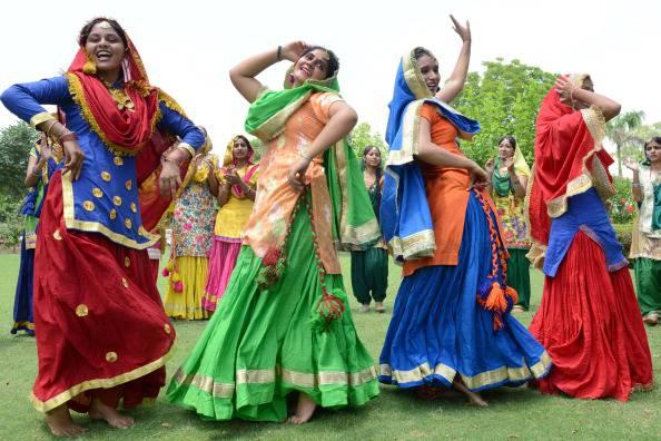 INDIA-FESTIVAL-TEEJ