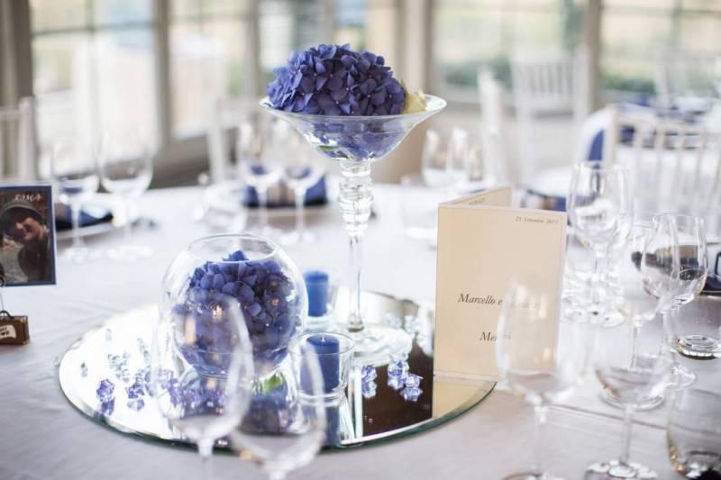 Matrimonio Tema Bianco E Blu : Matrimonio in blu tutti gli accessori una foto gallery