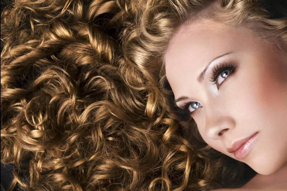 come-ottenere-capelli-ricci-in-poche-mosse_09bf4b2c5c79fa08b3ee01ce1f0976b7