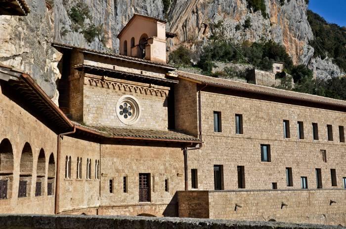 monastero_san_benedetto_esterno