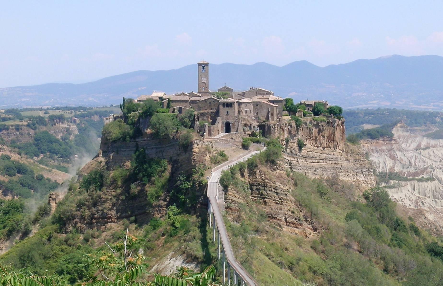 Bagnoregio_civita_panorama_cropped
