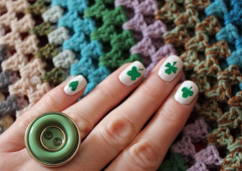 st-patricks-day-nail-art-shamrock-tutorial-polish-ideas-handmade-diy-button-ring-craft-project