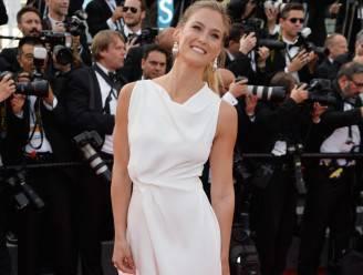 La top model Bar Rafaeli al Festival di Cannes (Pascal Le Segretain/Getty Images)