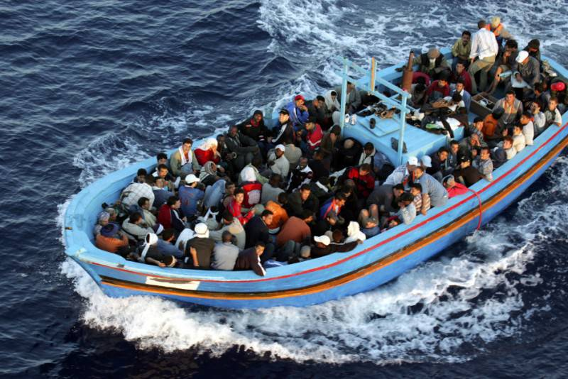 Un barcone di migranti (Marco Di Lauro/Getty Images)